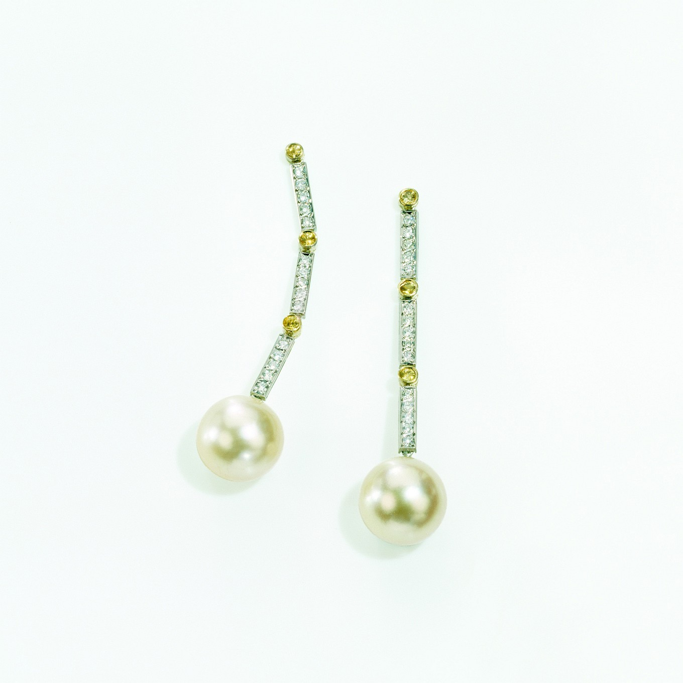 NATURAL GOLD PEARLS WITH YELLOW SAPPHIRES & DIAMONDS