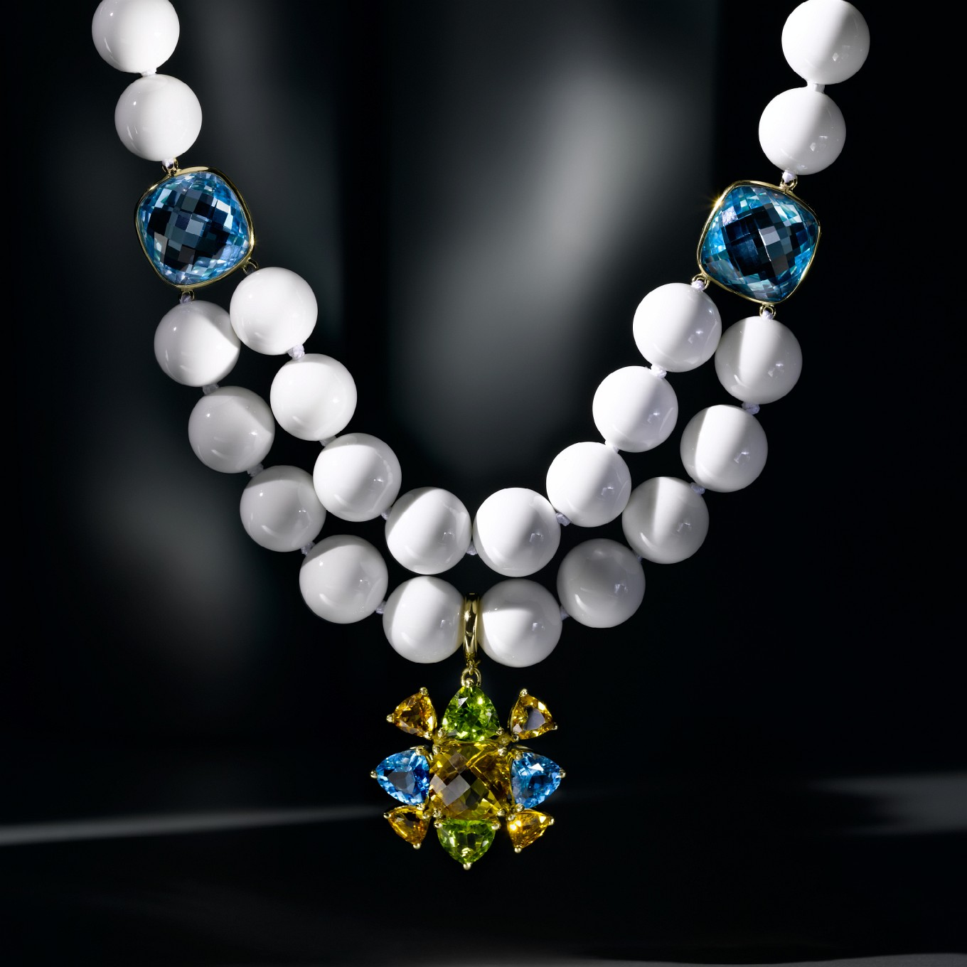 WHITE AGATE & BLUE TOPAZ NECKLACE IN YELLOW GOLD WITH DETACHABLE CITRINE, PERIDOT & BLUE TOPAZ PENDANT IN YELLOW GOLD