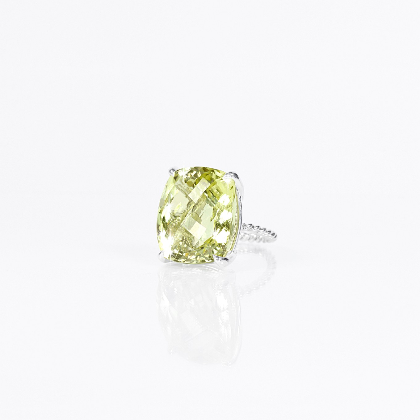 GREEN AMETHYST BRAID RING IN STERLING SILVER