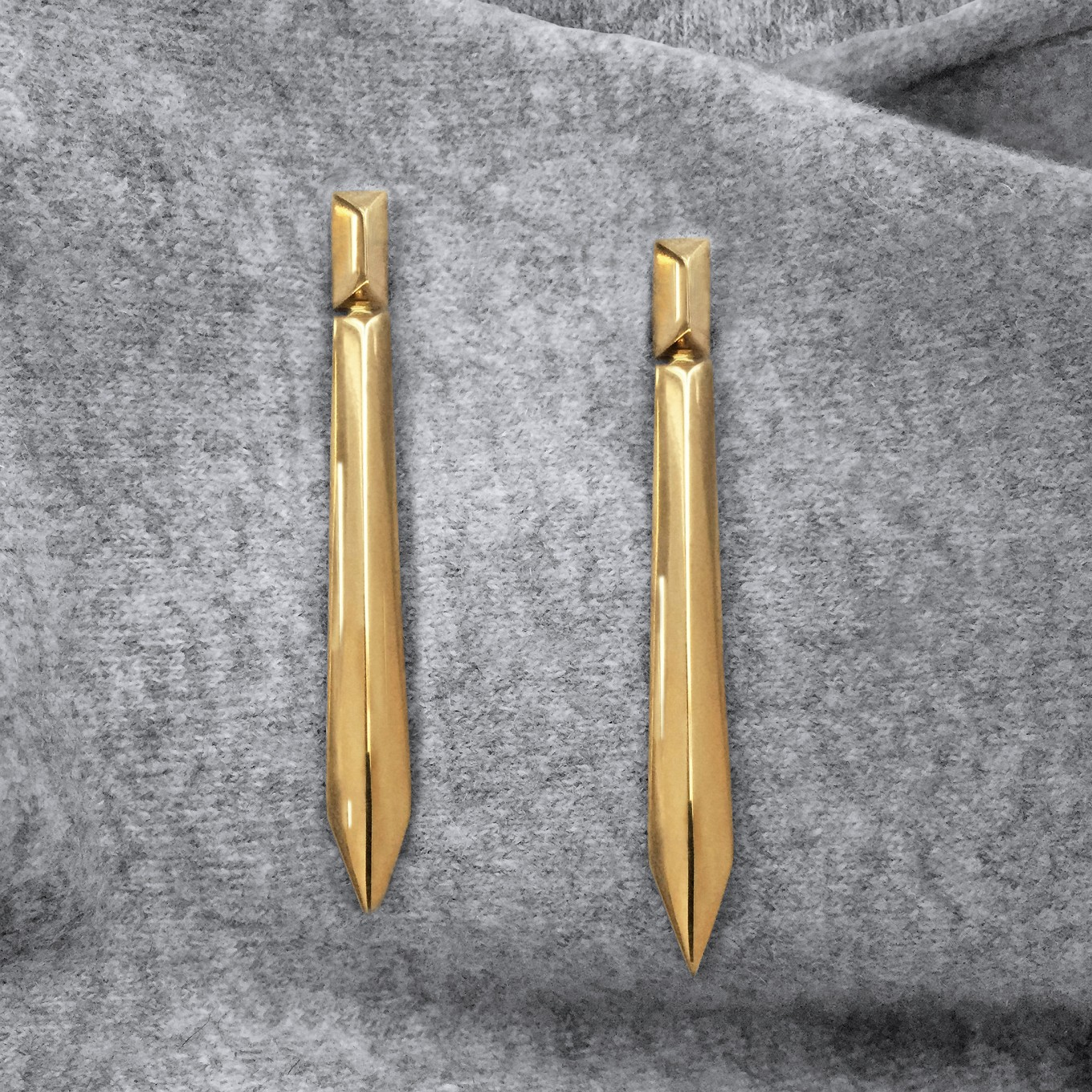 G SERIES DOUBLE PYRAMID EARRINGS IN YELLOW GOLD
