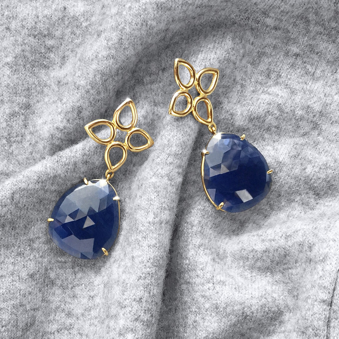 ROSE CUT SAPPHIRE & WIRE SEVILLA MOTIF EARRINGS IN YELLOW GOLD