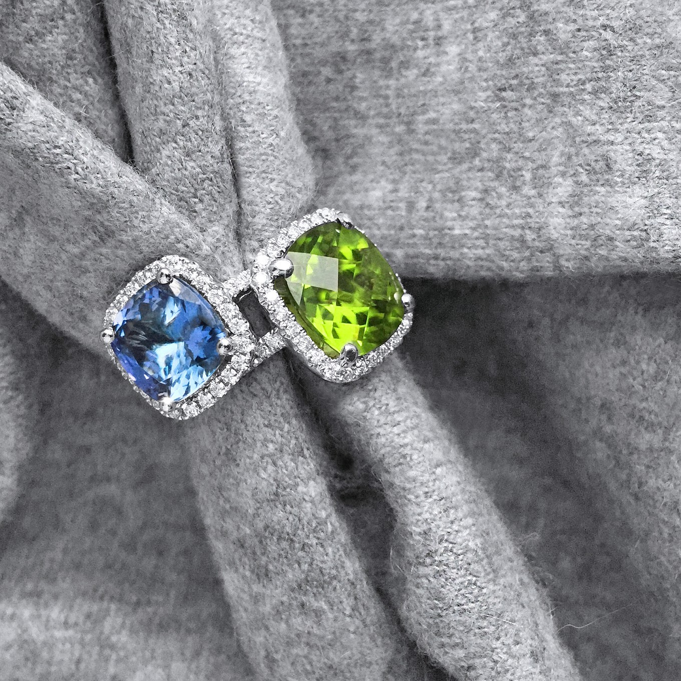 PERIDOT 5.15 CTS CUSHION CUT DIAMOND  0.39CTS FRAME RING IN WHITE GOLD TANZANITE 2.95 CTS CUSHION CUT DIAMOND 0.33CTS FRAME RING IN WHITE GOLD