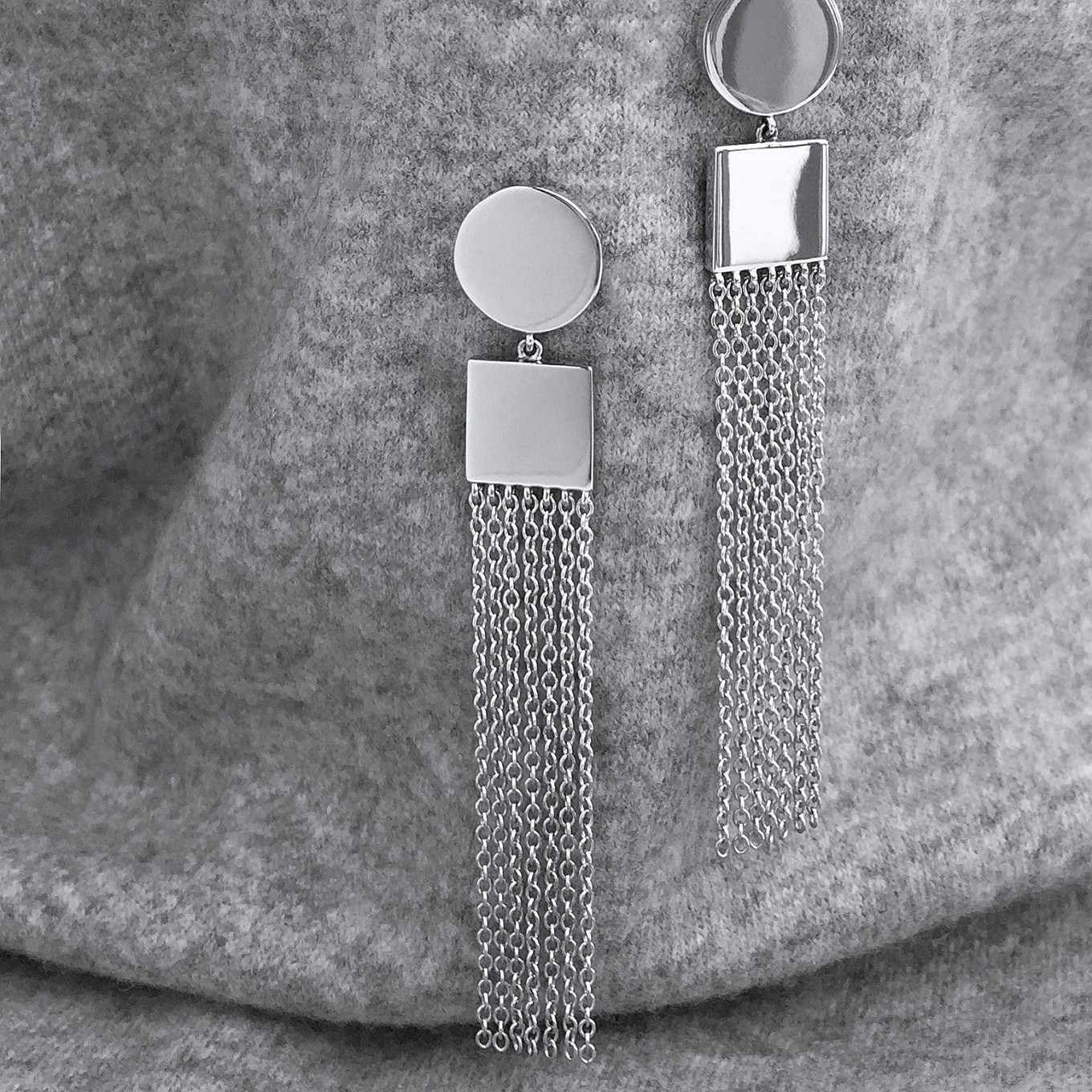 ROUND - SQUARE TASSEL EARRINGS IN WHITE GOLD.ALSO AVAILABLE IN YELLOW GOLD