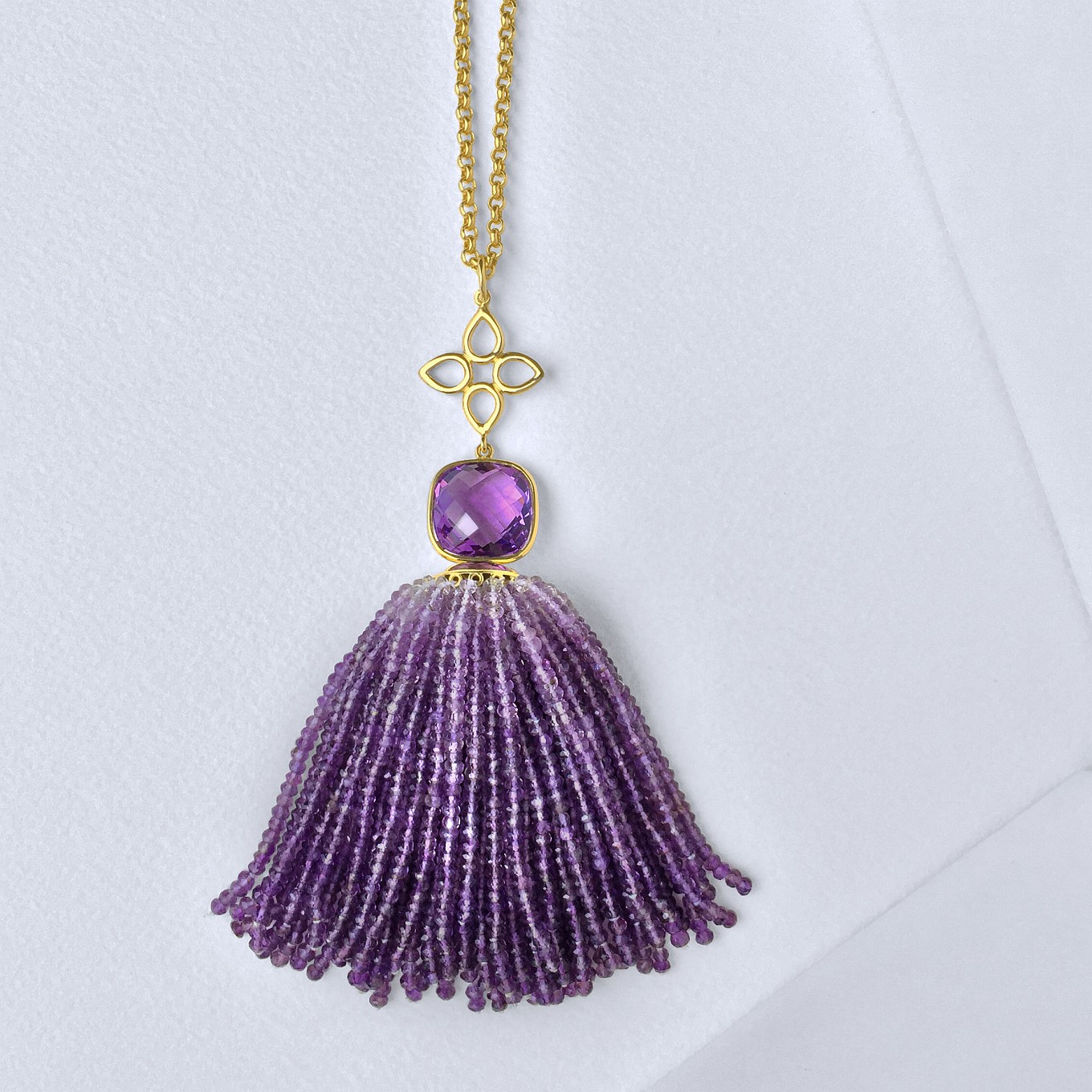 CUSHION CUT AMETHYST & GRADUATED AMETHYST BEAD PENDANT IN YELLOW GOLD