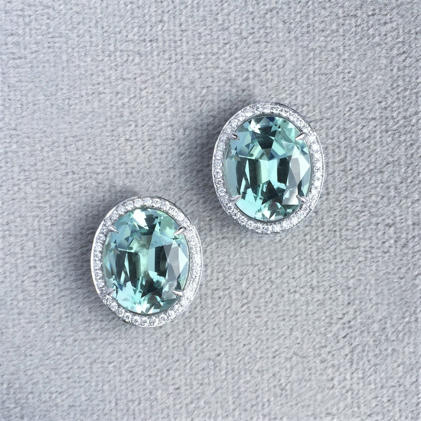 Oval mint green tourmaline & diamond earrings in white gold