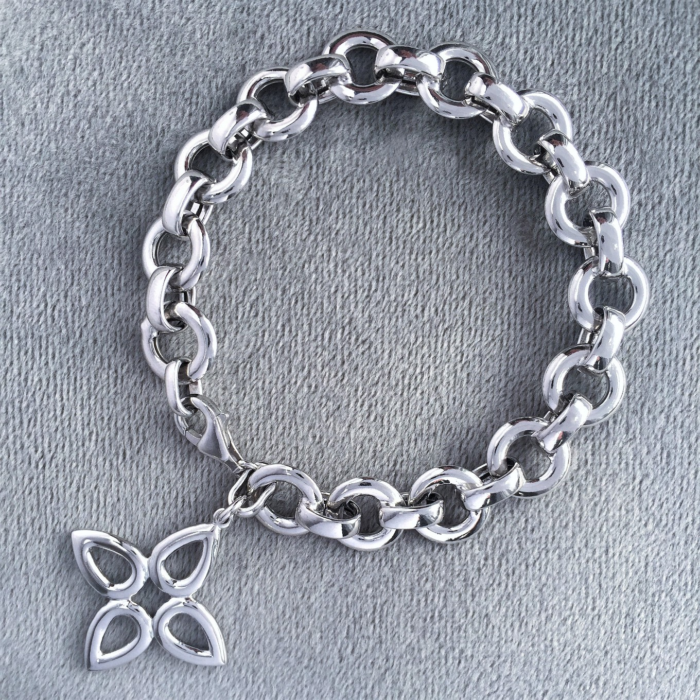 """Cable"" bracelet in sterling silver with sevilla motif clasp"