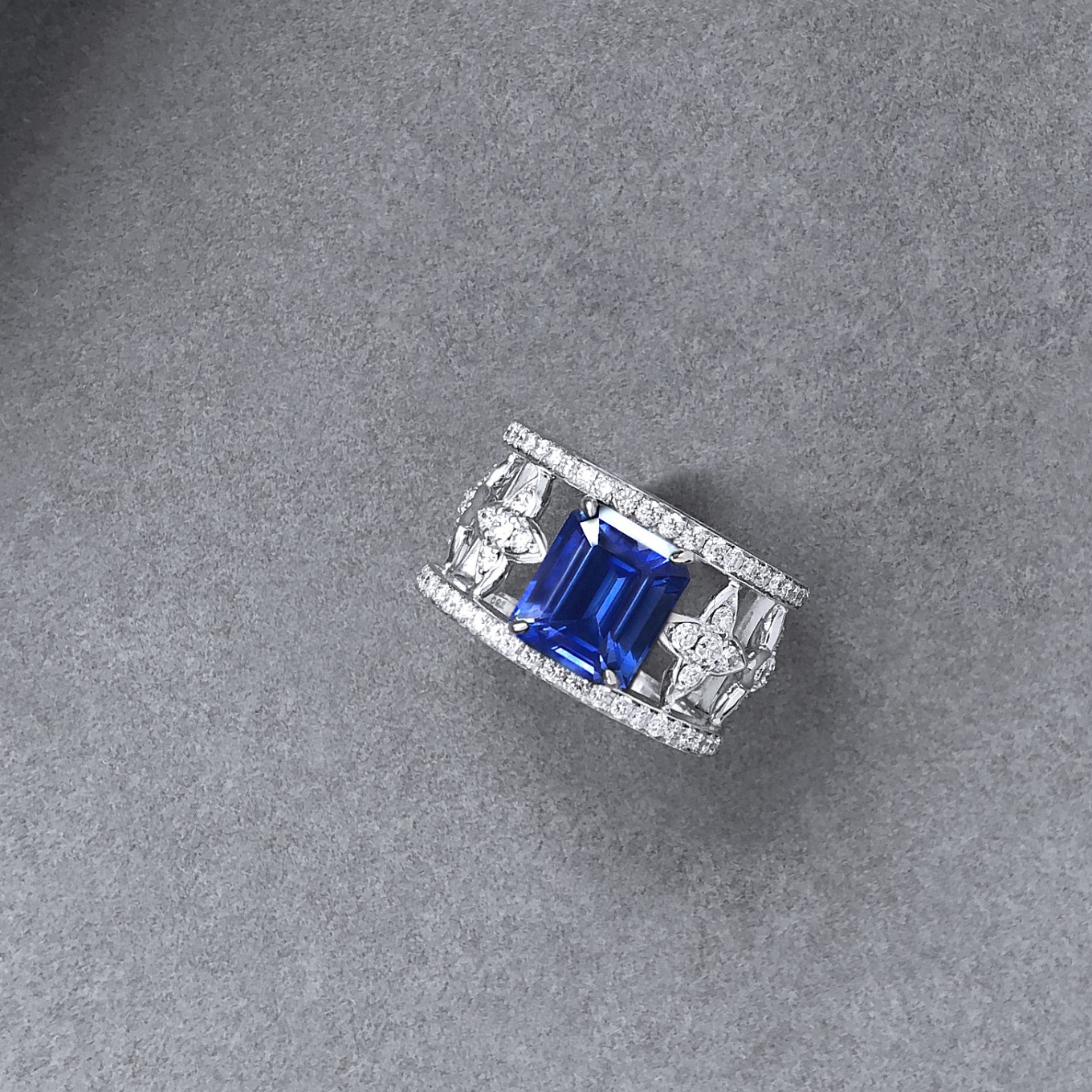 5.5 CT EMERALD CUT BLUE SAPPHIRE & DIAMOND RING IN WHITE GOLD