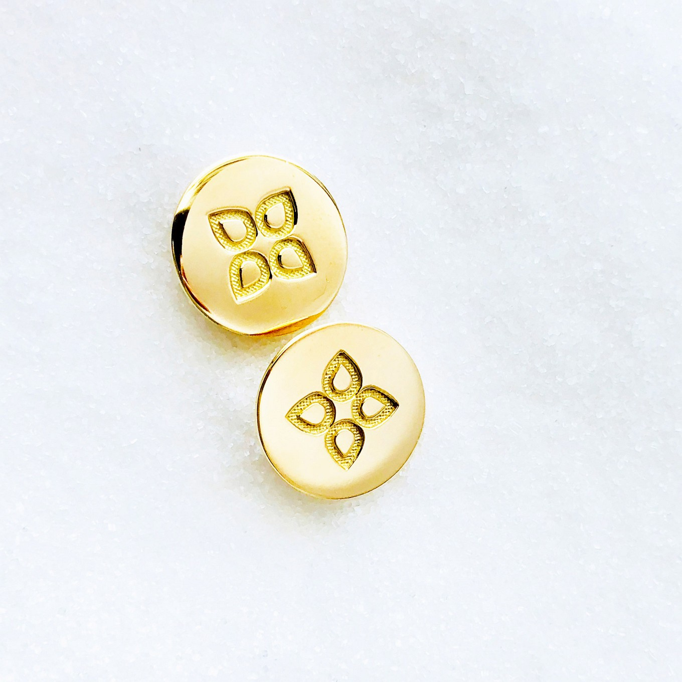 love disc studs. yellow gold