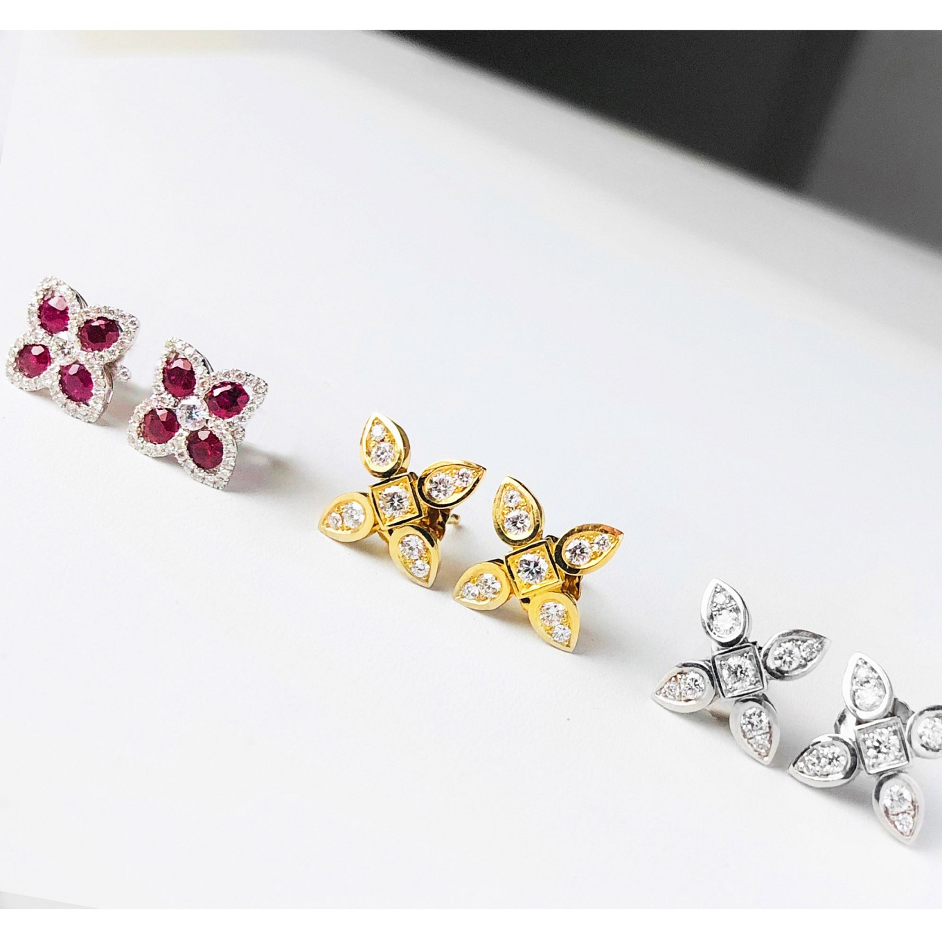 sevilla motif earrings. Ruby & diamond